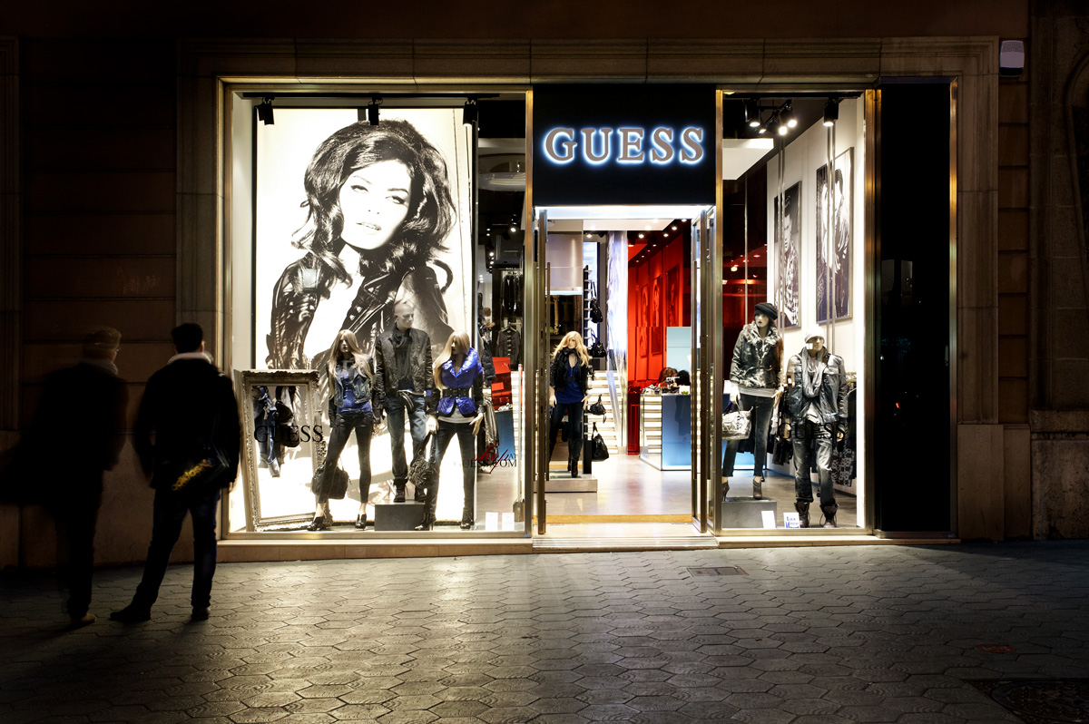 Guess – Flag Ship Store