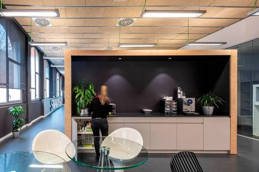 FINSA BLOG- SWAROVSKI OFFICES USE THE NEW FIBRACOLOUR BLACK GALAXY